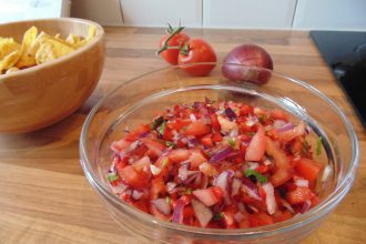 Easy Tomato Salsa Recipe